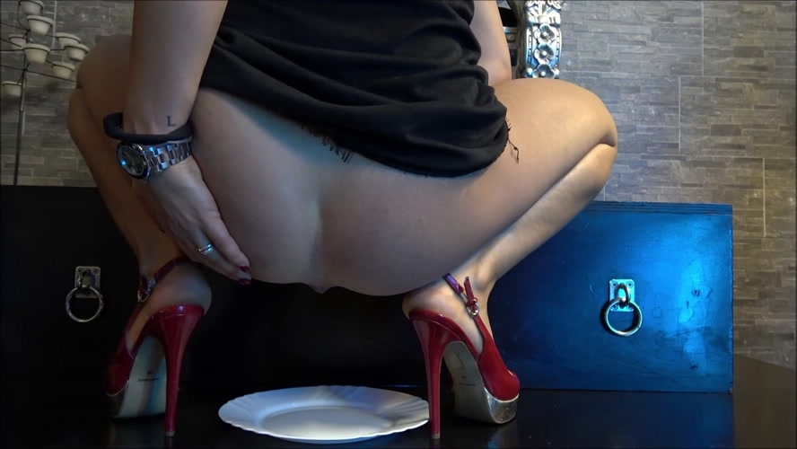 Andrea, be my toilet and Mistress Gaia 2018 [FullHD 1920x1080] [315 MB]