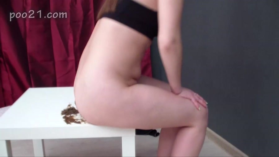 Milana Pooping in Panties With Farting and MilanaSmelly 2018 [HD 720p MPEG-4 Video 1280x720 29.970 FPS 6189 kb/s] [509 MB]