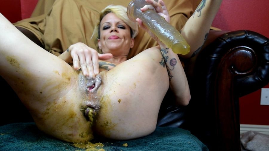 Shitty Prolapse and Piss and Juicy Julia 2018 [FullHD Quality] [1.79 GB]