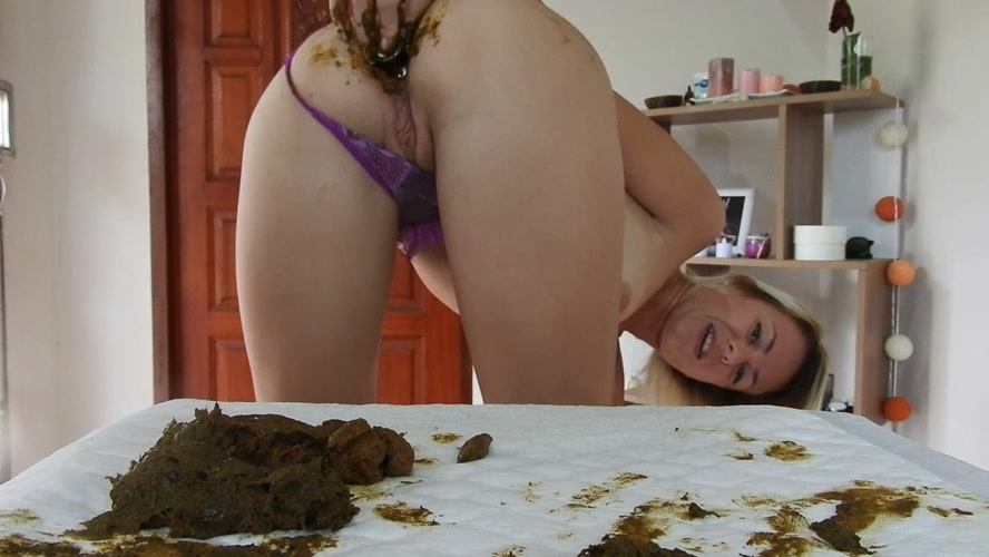 Shitty, Dirty Butt Plug Fun In Gstring Farting and MissAnja 2019 [FullHD 1920x1080] [1.06 GB]