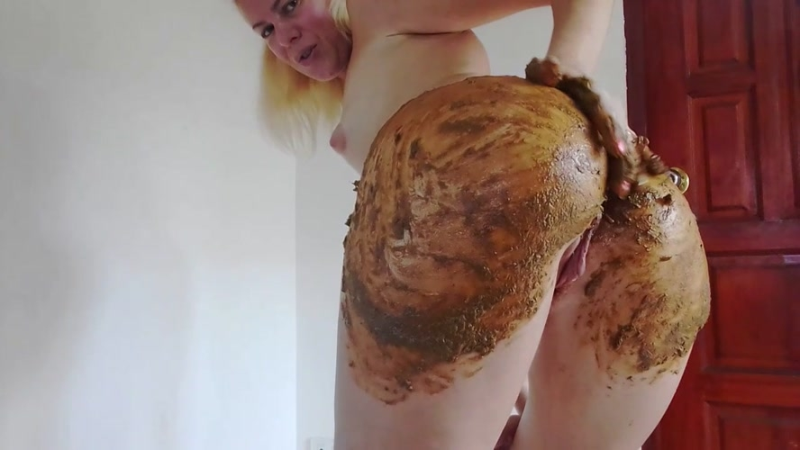 Enema and Huge Poo in Silk Bikini Smearing and MissAnja 2019 [HD 1280x720] [853 MB]