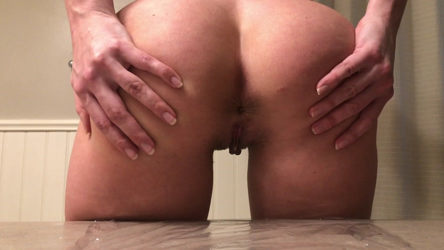 Black leggings tease counter poop and TinaAmazon  2020 [UltraHD/4K 3840x2160] [1.32 GB]